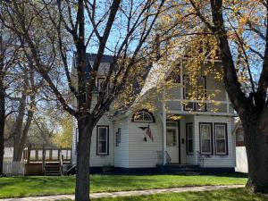 409 2ND STREET NW, Watertown, SD 57201