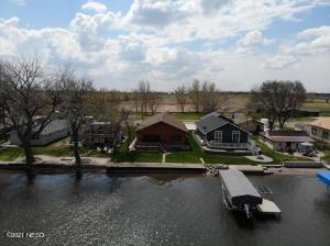 628 S LAKE DRIVE, Watertown, SD 57201