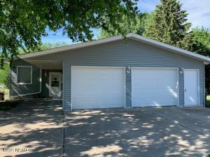 605 Circle Drive, Clear Lake, SD, steel siding, newer roof