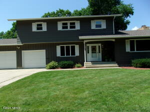 1105 3RD STREET NW, Watertown, SD 57201