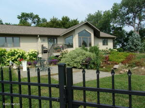 17189 437TH AVENUE, Henry, SD 57243