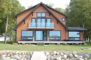Listing 310759 Cheboygan Michigan - Burt Lake