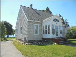 waterfront homes rh bannerrealty com