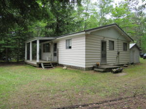 MLS 318490 - 12166 E Shore Circle, Millersburg, MI