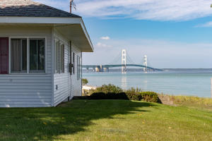 MLS 319242 - 404 N Huron Avenue, Mackinaw City, MI