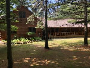 MLS 320754 - 977 N Silver Place, Indian River, MI
