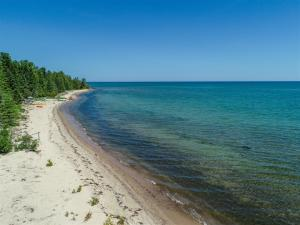 MLS 324601 - 21635  US-23 , Ocqueoc, MI