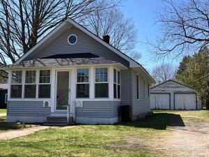 Listing 201811408 Charlevoix Michigan -