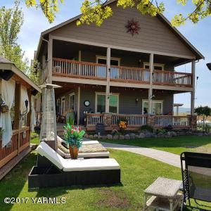 12900 Douglas Rd, Yakima, WA 98908