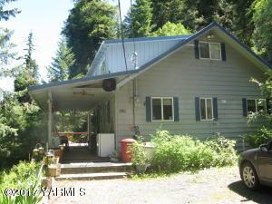 390 Pine Cliffs Dr, Naches, WA 98937