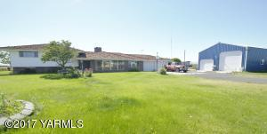 5810 Ashue Rd, Wapato, WA 98951