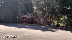 Wapato Lodge