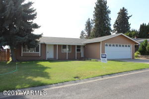 Zillah Rambler in Great neighborhood! New carpet and paint. Fenced back
