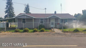 1309 Arkansas Ave, Tieton, WA 98947