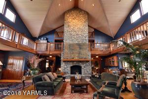 8 Breathtaking Fireplace