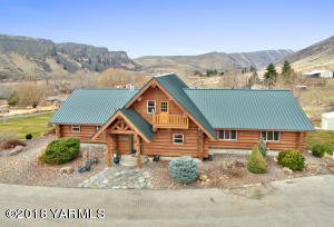 13805 Old Naches Hwy, Naches, WA 98937