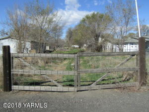 314 Keys Rd, Yakima, WA 98901