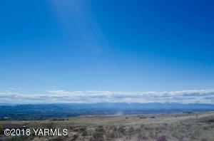 NKA Corey Ln, Yakima, WA 98901