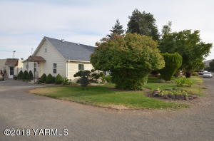3301 1st St, Union Gap, WA 98903