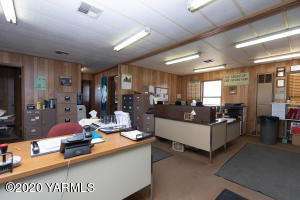 Star Trailers - Office Interior 1